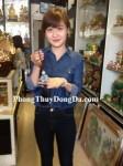 Chị Thu – khách hàng mua ngọc bội Tỳ Hưu ngọc Phỷ Thúy S5021 - T.H.S